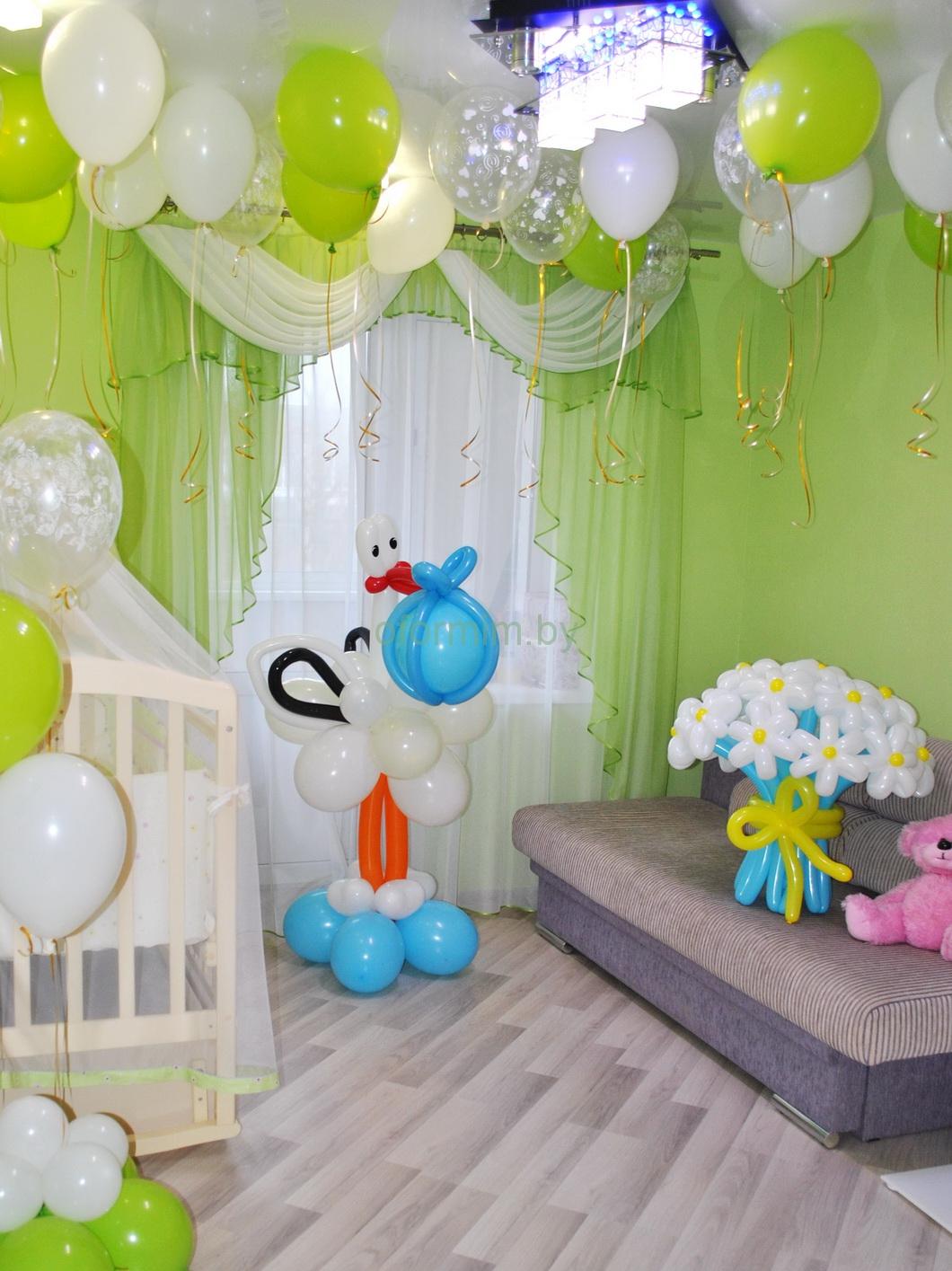 Как украсить детскую комнату на выписку из роддома своими руками