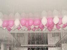 Нежно-розовый микс в потолок