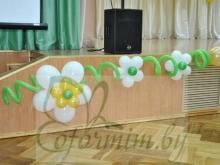oformlenie-vozdushnymi-sharami-yubiley-shkoly-mogilev